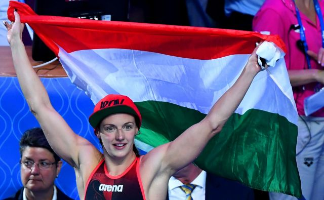 Najboljša plavalka zadnjih let na svetu, Madžarka Katinka Hosszu, se je veselila EP v domovini, toda nanj bo morala počakati do leta 2021. FOTO: AFP