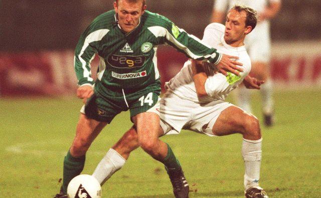 Robert Prosinečki (levo) je v sezoni 2002/03 branil barve ljubljanske Olimpje, slovenski pokal pa je njegova zadnja lovorika.<br /> FOTO: Dokumentacija Dela