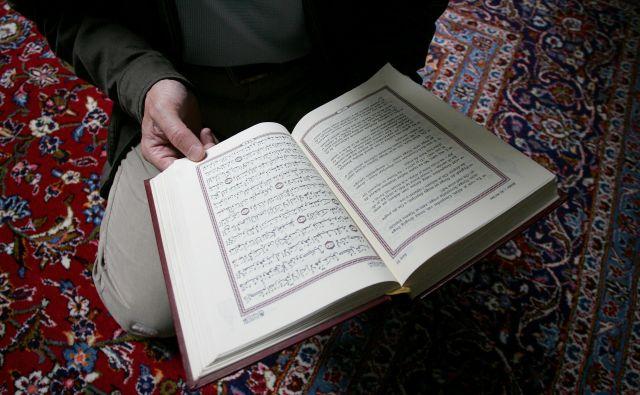 Poroke v verskih objektih Islamske skupnosti bodo možne z omejenim številom svatov. FOTO: Žibert Damjan/AFP