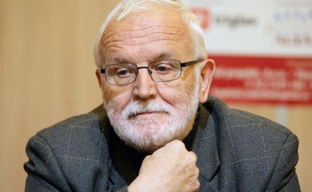 SLOVENIJA, LJUBLJANA, 18.04.2012 - JOŽE MENCINGER, univerzitetni profesor na Ekonomski fakulteti. FOTO:ROMAN ŠIPIČ/DELO Foto Šipić Roman