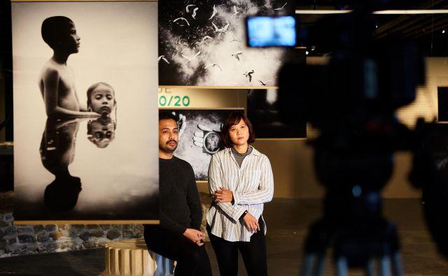S snemanja virtualnih vodstev v Jakopičevi galeriji. Foto Metod Blejec