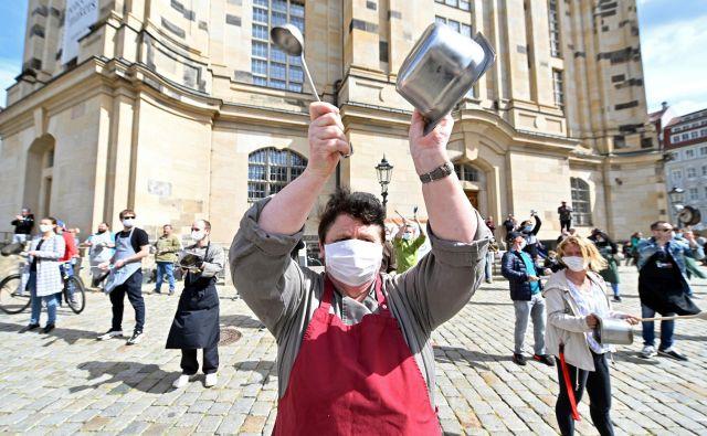 Gostinci in turistični delavci so protestirali zaradi katastrofalnih razmer v panogi. Foto Reuters