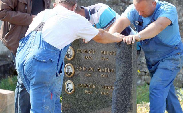 Pogrebna in pokopališka dejavnost sta pred tremi desetletji veljali za dejavnost posebnega družbenega pomena. Foto Igor Mali Mali Igor