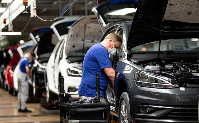 Nemška avtomobilska proizvodnja se je zagnala, a si tovarne prizadevajo za subvencije, ki bi spodbudile nakupe. Foto Reuters