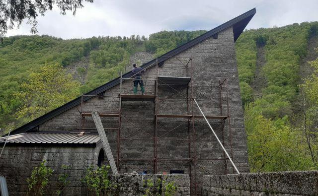 Obnova nemške kostnice se zaključuje. FOTO: Posoški razvojni center