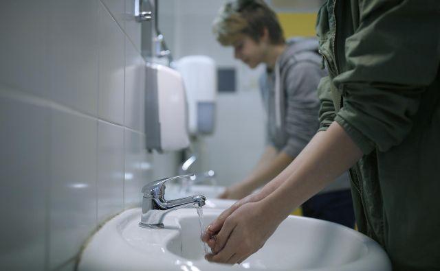 Umivanje rok. FOTO: Blaž Samec