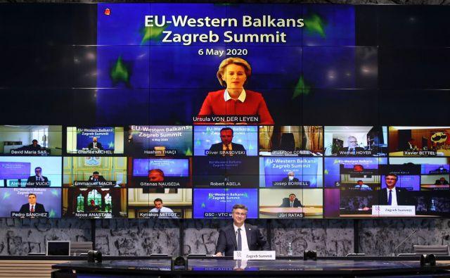 Predsednica evropske komisije Ursula von der Leyen je po vrhu EU in Zahodnega Balkana poudarila pomen svobode tiska kot temelja demokracije, DNK Unije in orodje v bitki proti dezinformacijam. FOTO: AFP