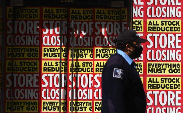 Zaprta trgovina v newyorškem Brooklynu.FOTO: Angela Weiss/AFP