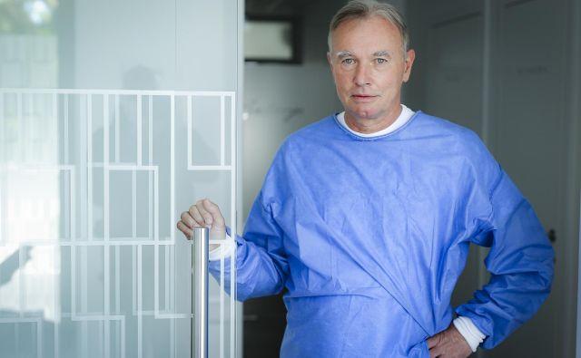 Igor Bartenjev je dermatolog že 30 let. Zdaj je zasebnik, a si prizadeva, da bi se vsaj delno vrnil v javno zdravstvo. Foto Jože Suhadolnik
