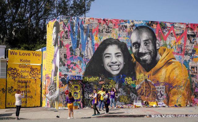 Kobe Bryant in Gianna Bryant sta bila med žrtvami helikopterske nesreče v okolici Los Angelesa. FOTO: Reuters