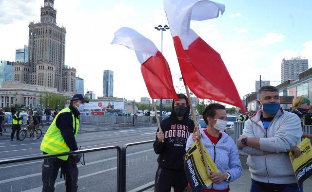 Pred dnevi so tudi na Poljskem protestirali in od vlade zahtevali več pomoči gospodarstvu. FOTO:Janek Skarzynski AFP