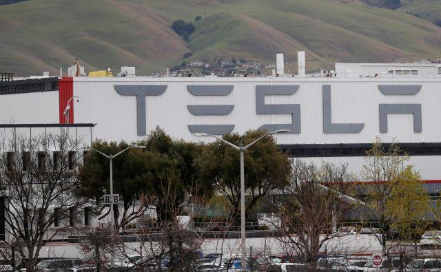 Tovarn v Fremontu v Kaliforniji. FOTO: Shannon Stapleton Reuters