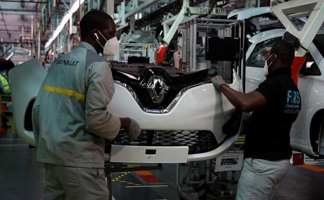Renaultova tovarna v Flinsu v Franciji, kjer izdelujejo električni model renault zoe, se je znova zagnala prejšnji teden. FOTO: Reuters