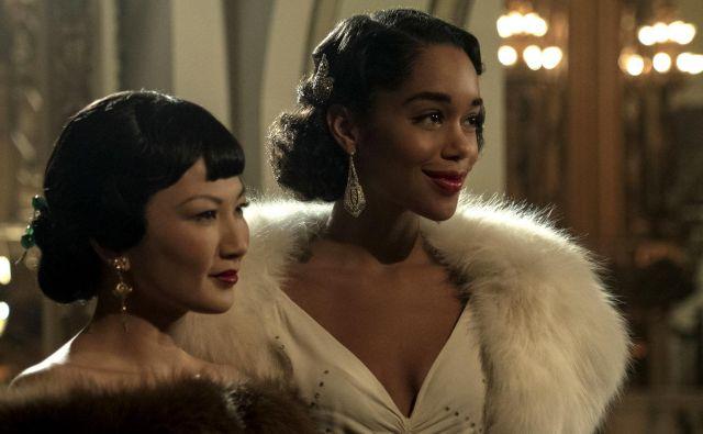 V novi viziji serije Hollywood temnopolta in azijska dekletca ne bi več igralk svoje rase gledala v vlogah služkinj in suženj ali pa eksotičnih zapeljivk, omamljenih od opija, ampak kot ponosne ženske, v lepih oblekah, elegantne, zaželene, dostojanstvene in spoštovane.