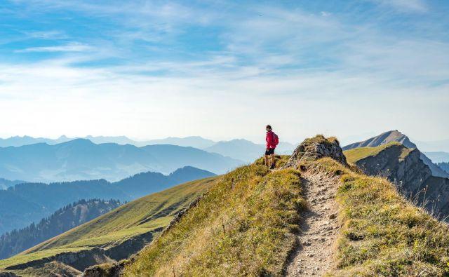 Ko se človek spet spomni na aktivnosti, ki so ga nekoč veselile, je na dobri poti, da premaga ravnodušje. FOTO: Shutterstock