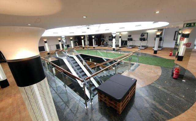 Fitcity v nekdanji Modni hiši je danes tak kot pred otvoritvijo pred dvema letoma. Brez rekreativcev. FOTO: Mavric Pivk/Delo