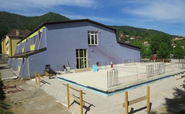 Nizkoenergetski prizidek bo zgrajen do novega šolskega leta.<br /> FOTO: Bojan Rajšek/Delo