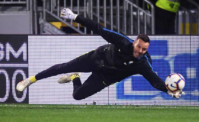 Samir Handanović v vratih Interja je najvišje uvrščeni slovenski nogometaš v italijanski ligi. FOTO: Reuters
