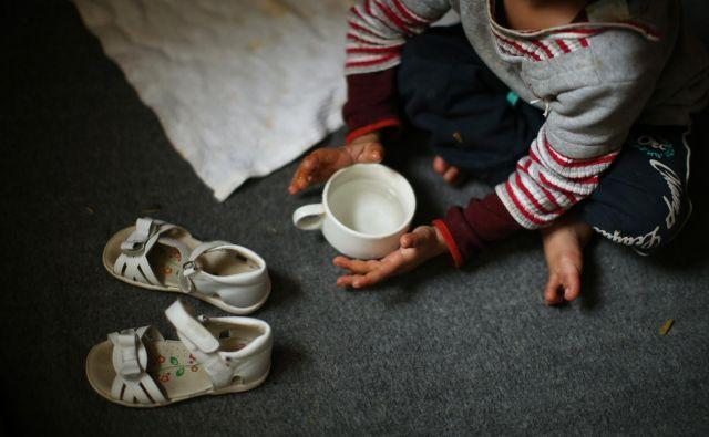 V prihodnjih šestih mesecih bi v državah v razvoju vsak dan lahko umrlo po 6000 otrok več kot sicer, opozarja Unicef. Foto Jure Eržen