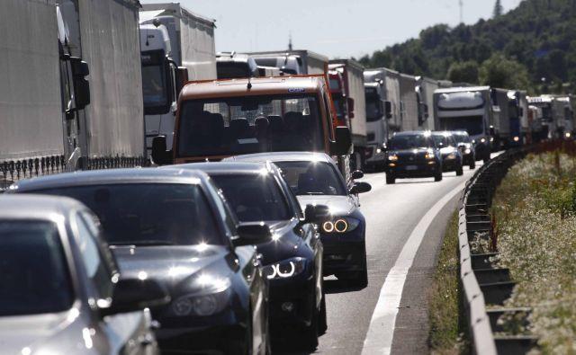 Eden od projektov je tudi širitev avtocest in vpadnic v Ljubljano. Kam bo v mestu šlo še več avtomobilov? FOTO: Voranc Vogel
