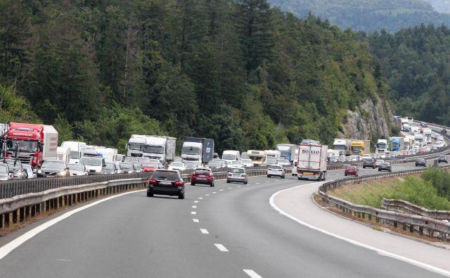 Štajerska avtocesta je zaradi prometne nesreče zaprta v smeri proti Ljubljani. Fotografija je simbolična. FOTO: Feist Marko
