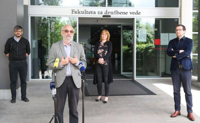 Pismo premiera Janeza Janše <em>Vojna z mediji</em>, ki ga je vlada poslala Svetu Evrope in objavila na uradni vladni spletni strani, po mnenju profesorjev s Katedre za novinarstvo FDV ne izkrivlja le podobe slovenskega medijskega okolja, temveč tudi veljavo novinarstva kot dejavnosti z javno odgovornostjo. FOTO: Marko Feist