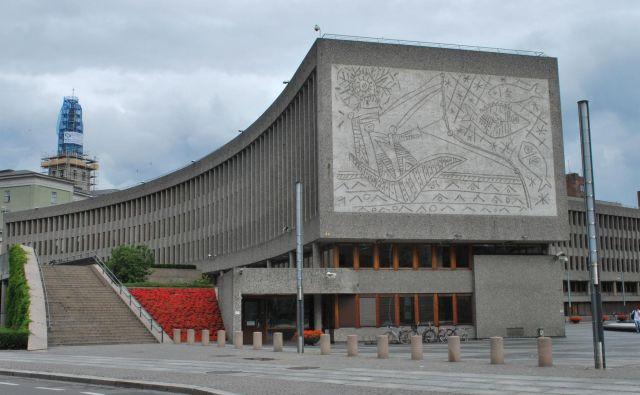 Po trditvah oblasti v Oslu bodo reliefa shranili na primerno lokacijo, skeptiki pa so prepričani, da bosta spomenika ob poskusih relokacije resno poškodovana, verjetno tudi uničena. Foto Wikimedia
