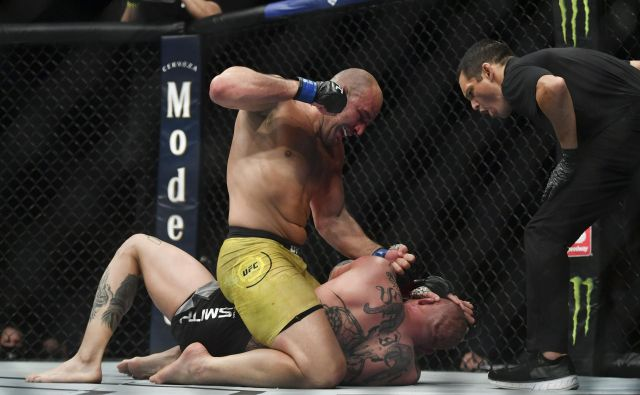 Glover Teixeira je s tehničnim nokavtom v peti rundi premagal Anthonyja Smitha. FOTO: Usa Today Sports