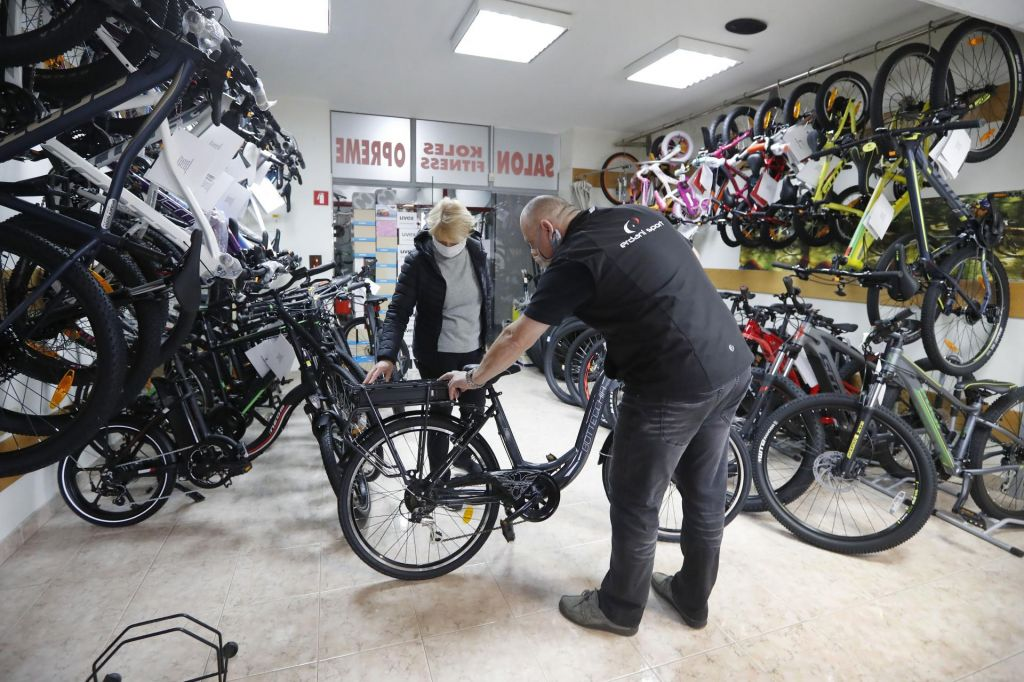 FOTO:Za kolesa zanimanje že med karanteno, še bolj po njej