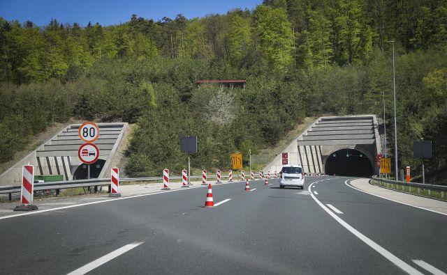 Obnova predora Golovec se bo začela v ponedeljek, popolna zapora zahodne cevi pa je predvidena za 15. junij. FOTO: Jože Suhadolnik/Delo
