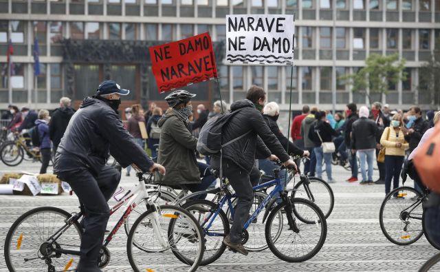 Protest na Trgu republike proti vladi. FOTO: Leon Vidic/Delo