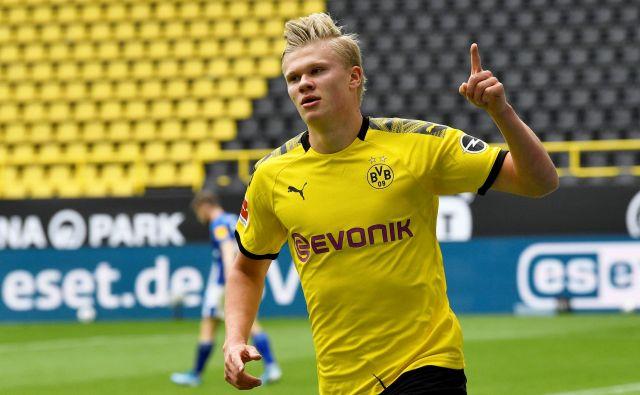 Norveški napadalec v majici Dortmunda Erling Braut Haaland je zabil že svoj 10. gol v deveti tekmi sezone. FOTO: Reuters