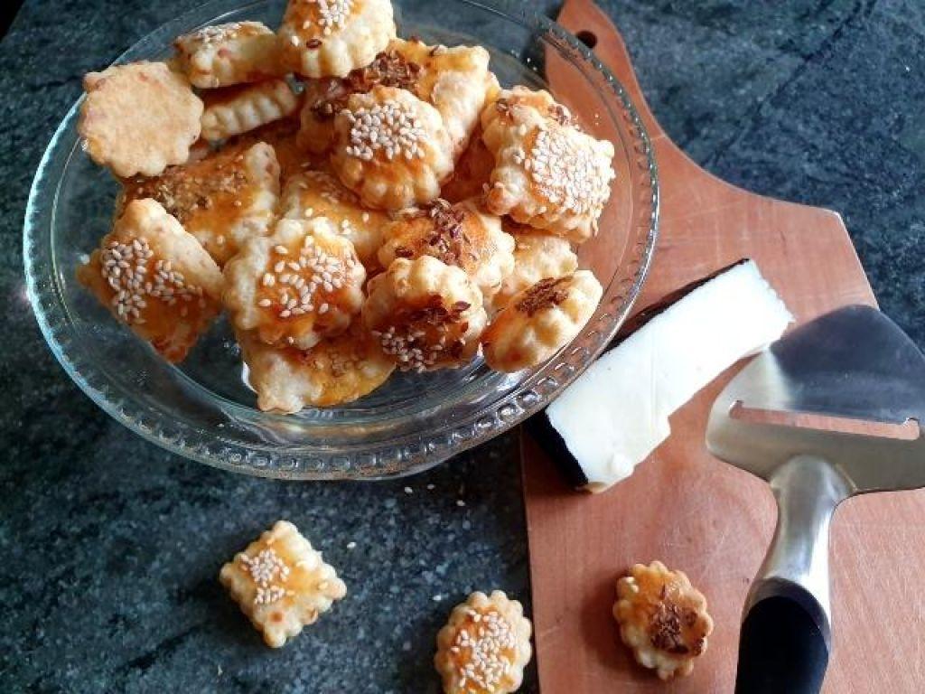 FOTO:Slani keksi s sirom za na pot