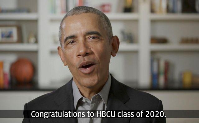 Nekdanji demokratski predsednik Barack Obama med nagovorom diplomirancem.Foto Youtube / Chase Youtube / Chase Via Reuters