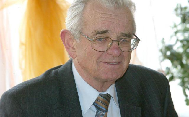 Dr. Peter Glavič, vodja centra za zaslužne profesorje na Univerzi v Mariboru, je napovedal, da že potekajo priprave za prijavo na razpise EU, ki omogočajo financiranje dejavnosti upokojenih profesorjev za njihovo nadaljnje delo. Foto Igor Zaplatil