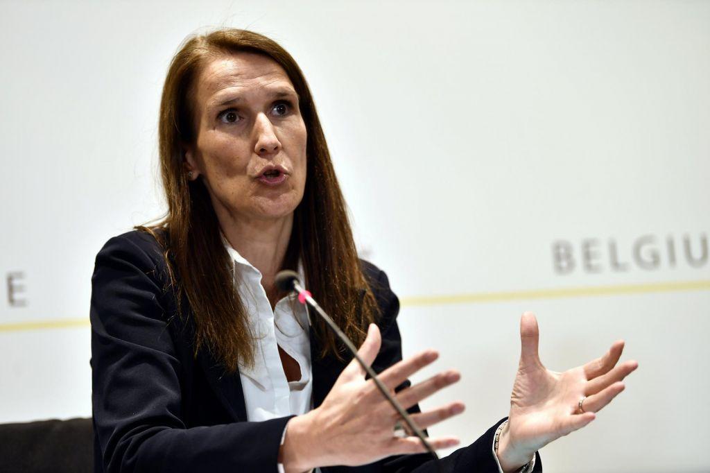 FOTO:Belgijska premierka morala zreti v hrbte zdravstvenih delavcev