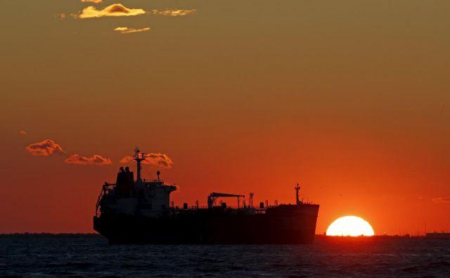 Naftni tanker v Sredozemlju. FOTO: Reuters