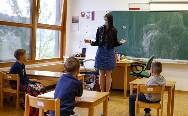Ponovni začetek šole na podružnični Osnovni šoli Louisa Adamiča v Št. Juriju. FOTO: Matej Družnik/Delo