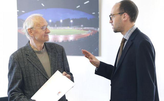 Predsednika strokovnega sveta Slovenije za šport Luko Steinerja, desno, skrbi, da so bila črtana sredstva za investicije. FOTO: Aleš� Černivec