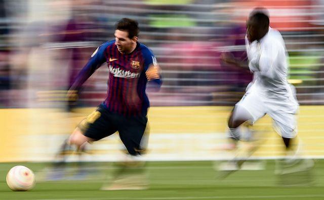 Zamisel o omejitvi plač v Evropi ni nova, a ta na nižje plače najboljših, kot je nogometaš z najvišjo plačo na svetu Lionel Messi, najbrž ne bo vplivala. FOTO: AFP