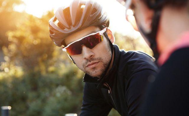 Pravzaprav je težko pisati o spornih ali kolesarskih, sončnih, očalih, ker smo si enotnega mnenja, da gre bolj za izdelek, ki nas ščiti. FOTO:Shutterstock