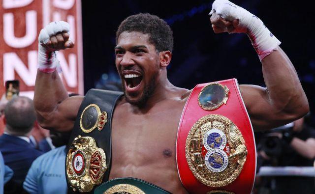 Anthony Joshua sodi v vrh težke kategorije boksa. FOTO: Reuters