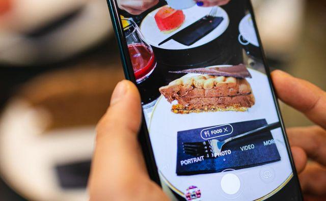 Huawei P40 lite ima kar štiri kamere. FOTO: Huawei