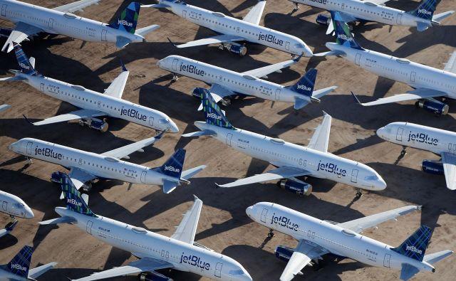 Pandemija je prizemljila marsikaterega letalskega prevoznika. FOTO:Gabriel Buoys/AFP