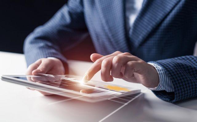 Digitalizacija razbija meje – dostop do informacij je ključ. FOTO: Bigstock.com
