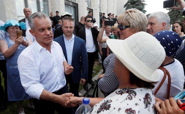 Vladimirja Plahotnjuka so že na začetku lanskega leta obtožili pranja denarja, toda oligarh se je odločil, da se bo umaknil iz političnega življenja in države. Foto: Reuters