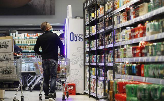 Če bo vlada tudi tokrat predvsem strogo varčevala, lahko vpliva na dodatni padec gospodarske aktivnosti in povečanje brezposelnosti.<br /> FOTO: Leon Vidic