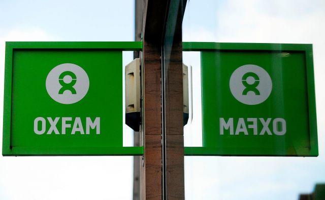 Po dobem glasu je Oxfam izgubil še denar. FOTO: AFP