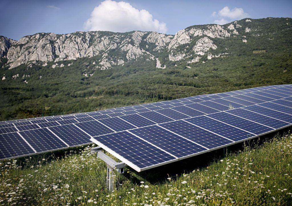 Čisti paneli dajo več elektrike