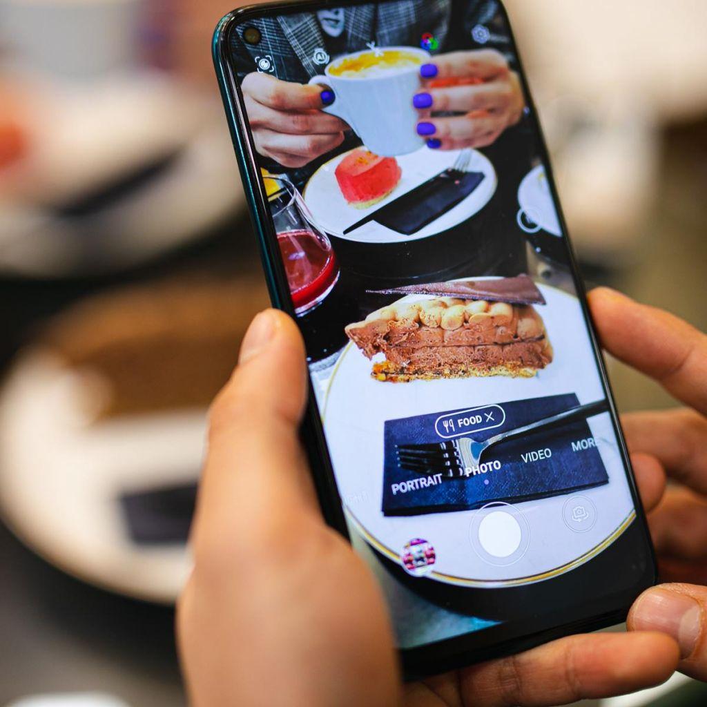P40 lite – uravnotežen pametni telefon za vse primere rabe